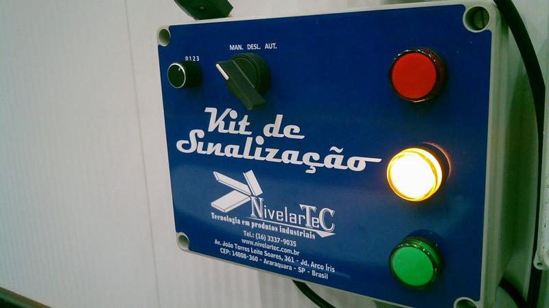 Sensor de estacionamento para docas